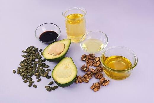 5 nejzdravějších olejů na pánev i do salátu
