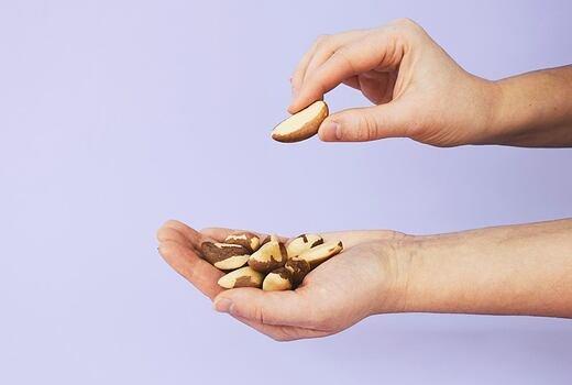 Nedostatek selenu? Para ořechy ho vyřeší raz dva!