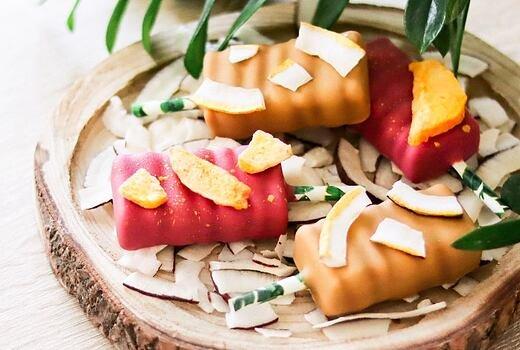 Kokosovo-mangový nanuk do ruky