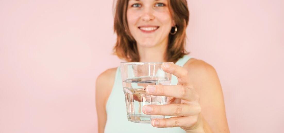 Kolik tekutin denně vypít, aby to bylo akorát?