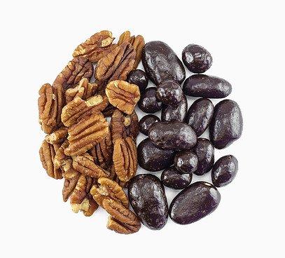 Pekanové orechy v 73,5% horkej čokoláde