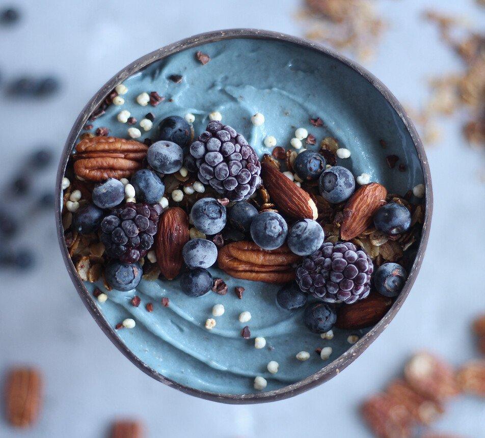 Maruškaveg a Svět plodů - Modré přírodní barvivo ze spiruliny